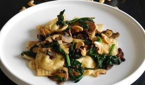 Ravioles aux fromages, champignons et épinards