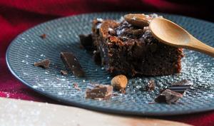 Brownie fondant, amandes caramélisées