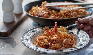 Pâtes aux crevettes et tomates cerises