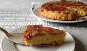 Gâteau à la rhubarbe et farine de mais