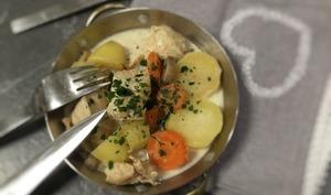 Blanquette de poulet pommes de terre carottes champignons