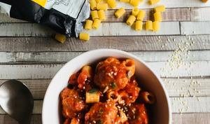Boulettes de poulet et ditalini à la sicilienne