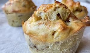 Muffins salés pomme, camembert et noix