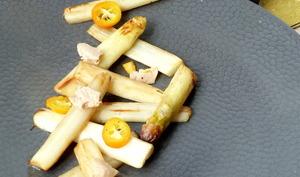 Asperges poêlées, foie gras et kumquats