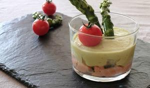 Mousse d'asperges vertes et son tartare de saumon