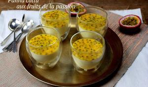 Panna cotta aux fruits de la passion et crème coco