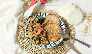 Steak de céleri rave et couscous au kale