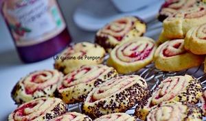 Biscuit spirale à la confiture de framboise et perles de chocolat