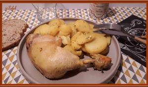 Cuisses de poulet aux pommes de terre à l'ail et persil