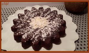 Gâteau au chocolat, noix de coco et avocat