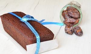 Cake aux dattes et chocolat