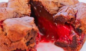 Mi-cuit au chocolat et son cœur fondant aux framboises