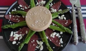 Asperges vertes au foie gras et magret de canard