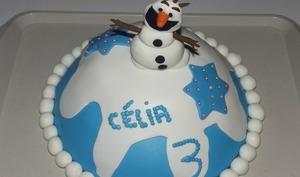 Gâteau en pâte à sucre olaf de la reine des neiges