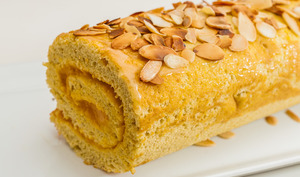 Biscuit roulé à la crème d'abricot