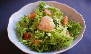Saint-Jacques fumées et pamplemousse en salade