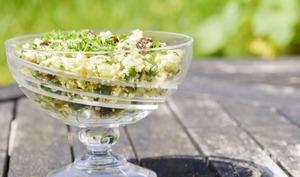 Taboulé alcalin de chou-fleur et légumes de saison