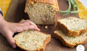 Cake au thon olives vertes et herbes