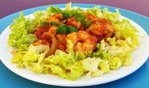 Crevettes à la sauce tomate et au curry