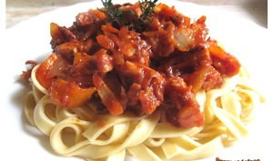 Tagliatelles au poulpe sauce tomates