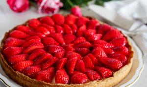 Tarte aux fraises sur une crème à la verveine