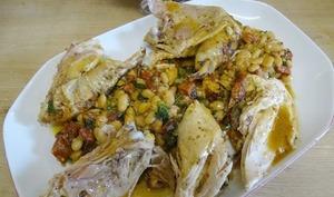 Poulet rôti farci chorizo et haricots blancs