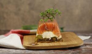 Pressé de saumon fumé aux poireaux en gelée de balsamique