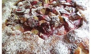 Galette rustique fraises rhubarbe