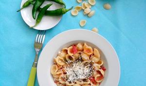 Orecchiette aux tomates et piments doux