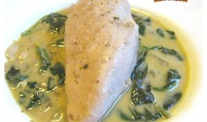 Blancs de poulet aux épinards sauce à la crème fraîche - sucreetepices.over-blog.com