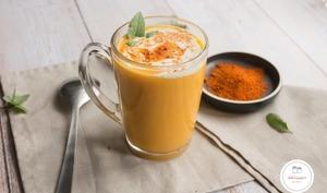 Soupe carotte gingembre au lait de coco et curry rouge