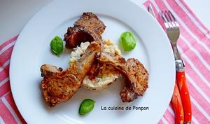 Côtes d'agneau cuites à basse température accompagnées d'un rizotto aux tomates séchées et olives noires