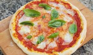 Pâte à pizza croustillante et moelleuse