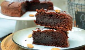Torta caprese - fondant italien au chocolat et aux amandes - sans gluten