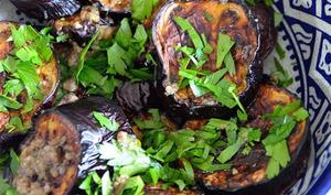 Aubergines rôties aux anchois et à l'origan