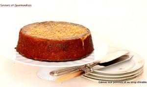 Gâteau aux Pommes, aux Pacanes et à l'Erable chaud.