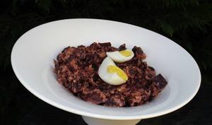 Salade de betterave au thon et aux oeufs