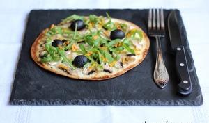 Tortizza aux champignons et à laroquette