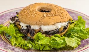Bagel aubergine champignons