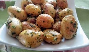 Pommes de terre nouvelles sautées au sel de Guérande et ciboulette
