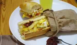 Sandwich frites omelette