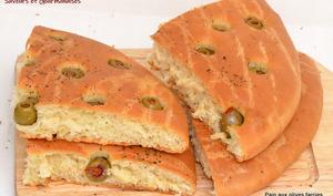 Pain aux olives farcies