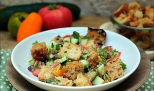Salade de quinoa et pain au levain grillé de Yotam Ottolenghi