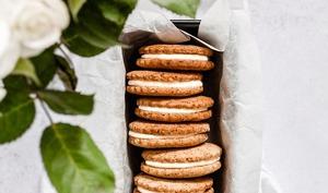 Biscuits sandwich noisettes et vanille