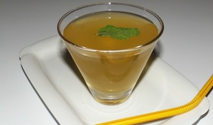 Thé glacé pamplemousse, vinaigre de cidre et menthe