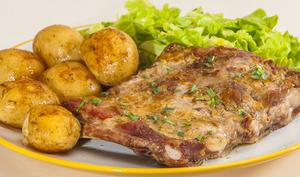 Travers de porc à l'estragon et aux patates nouvelles