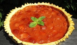 Tarte feuilletée à la rhubarbe et aux fraises