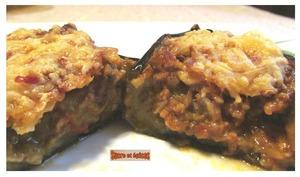 Aubergines farcies à la viande, aux champignons et au fromage