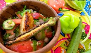 Salade d'haricot frais, gombo, piment végétarien et concombre antillais
