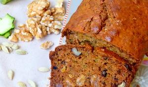 Cake aux courgettes, raisins secs et noix ultra parfumé